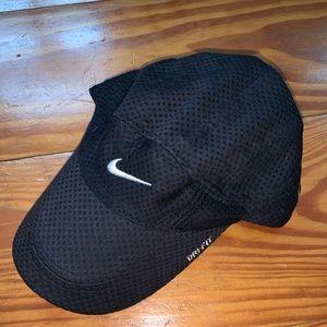 Nike black drifit golf/tennis hat